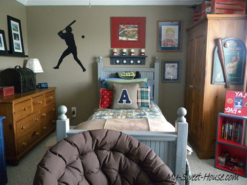 baseballl cool boys room
