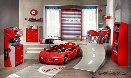 red  boys room