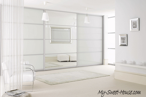 white glass and mirror wardrobe doors