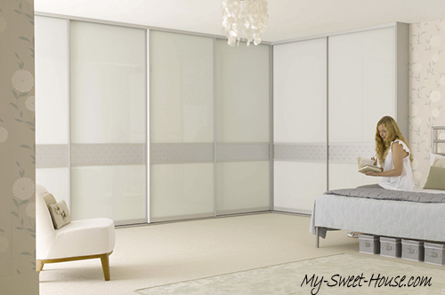 white glass wardrobe doors design