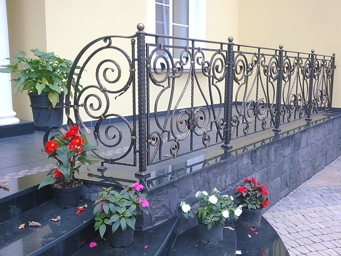 Ideas design designing beautiful veranda design ideas for Balcony full grill design