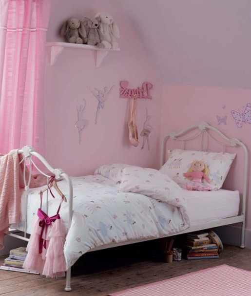 Accessories for kids rooms from Laura Ashley 11