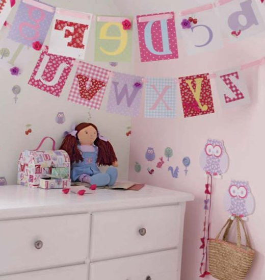 Accessories for kids rooms from Laura Ashley 8