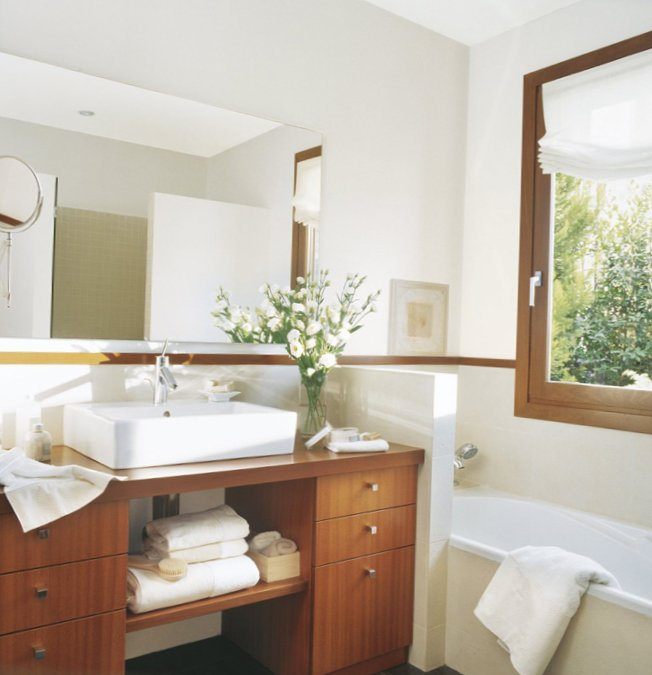 Bathrooms with window-7