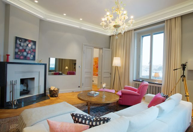 Beautiful apartment in a luxurious house-2