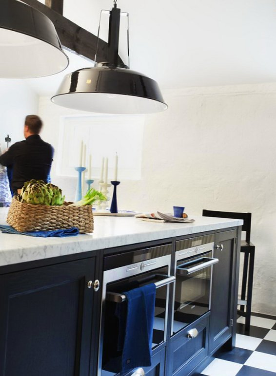 Black and white kitchen - Cooking Lighting design