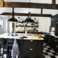 Black and white kitchen design - thumbnail