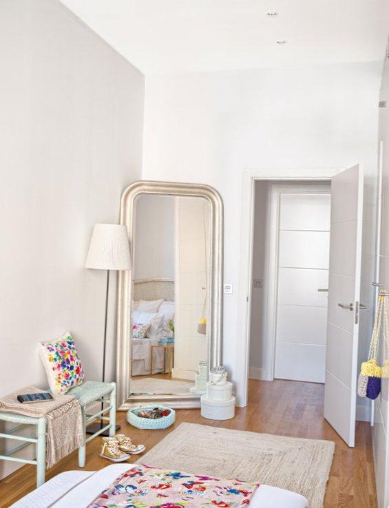 Cheerful Spanish interior-10