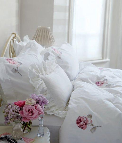 English bedrooms Laura Ashley-16