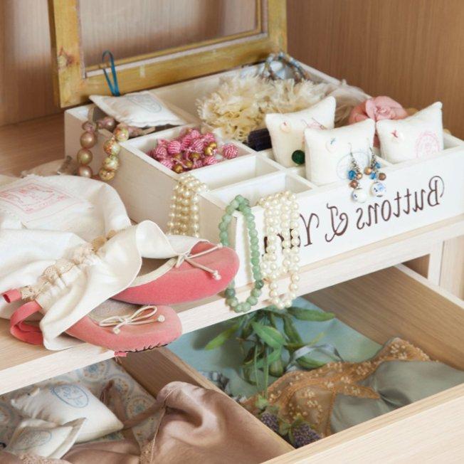 Gentle bedroom-8