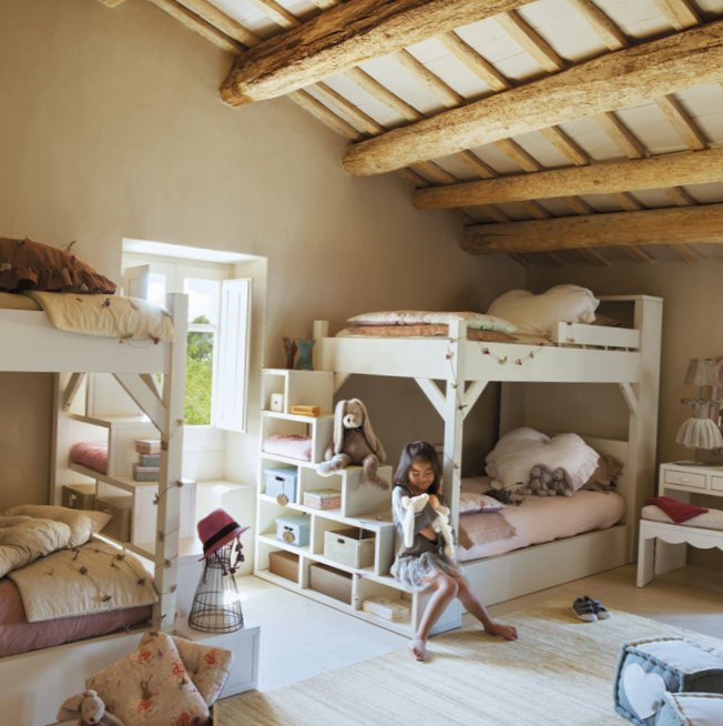 Georgeous kids room idea in the attic 1