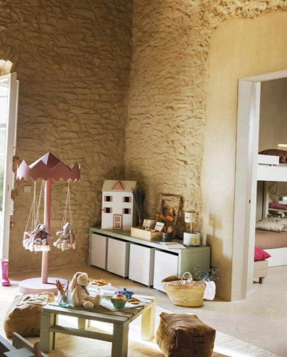 Georgeous kids room idea in the attic 2