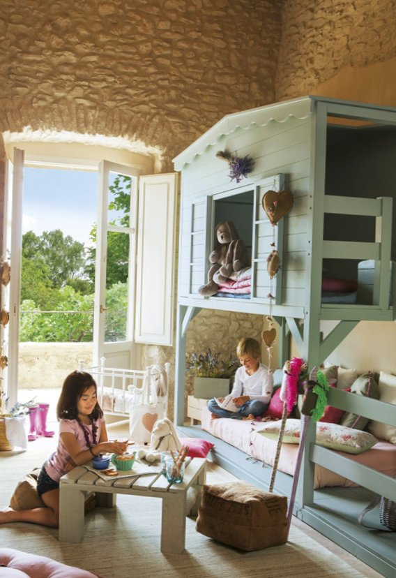 Georgeous kids room idea in the attic 4
