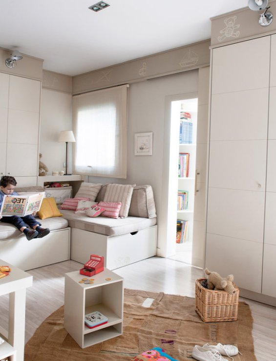 Kids room for 3 boys designed in calm colors - 3