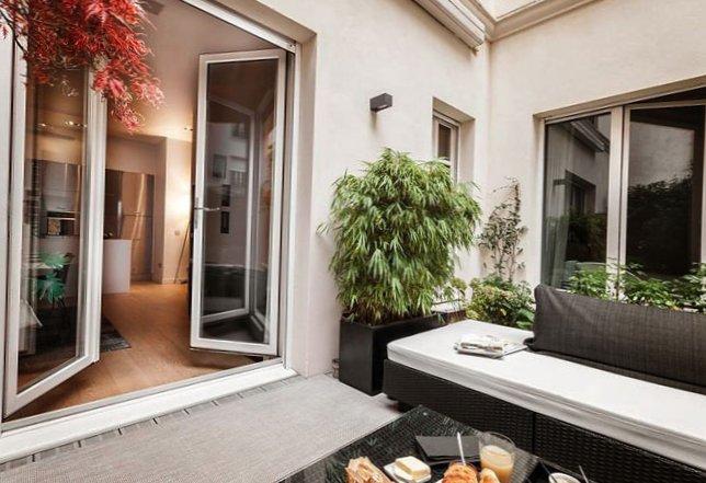 Parisian apartment with a cozy veranda-17