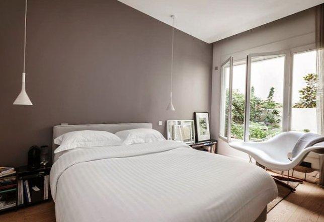 Parisian apartment with a cozy veranda-5