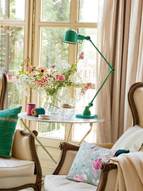 Splendid bedroom with turquoise details-2