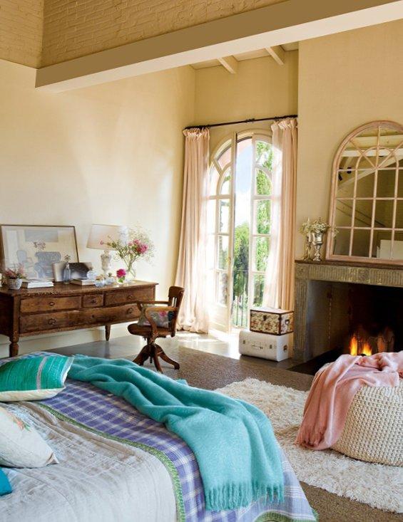 Splendid bedroom with turquoise details-6