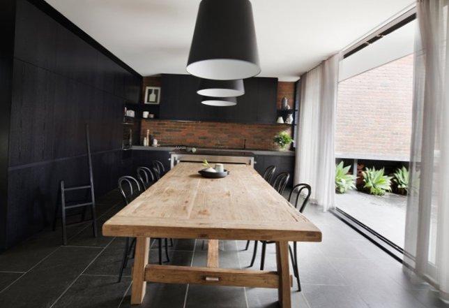 Stylish kitchen in black-3