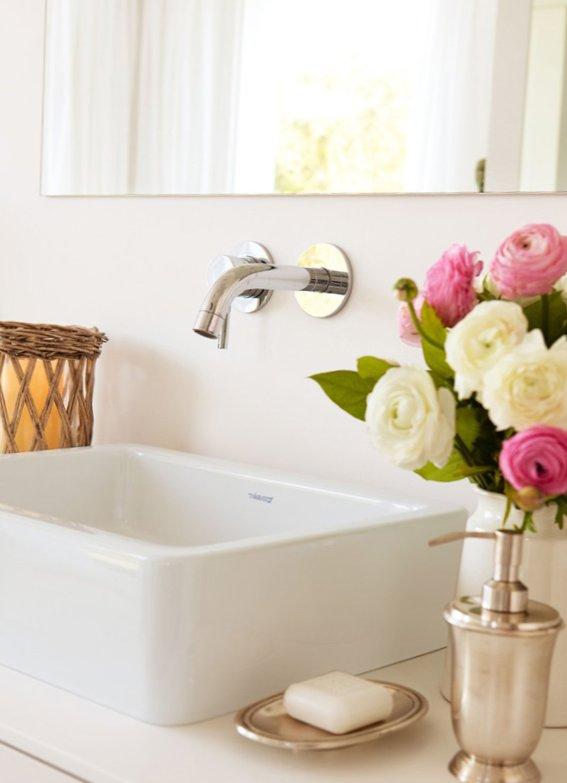 Sunny bathroom design-5