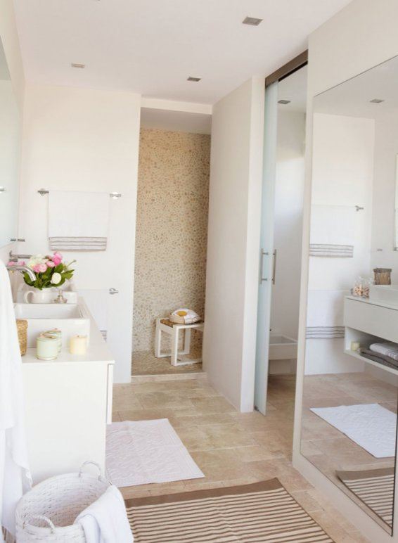Sunny bathroom design-7