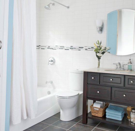 Tiny bathroom design - pan and bath