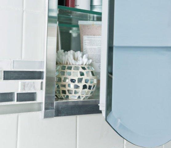 Tiny bathroom design - storage for ear sticks