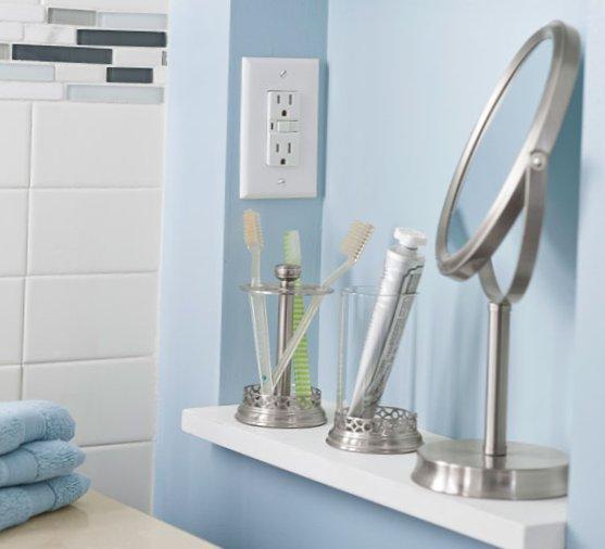 Tiny bathroom design - mirrors