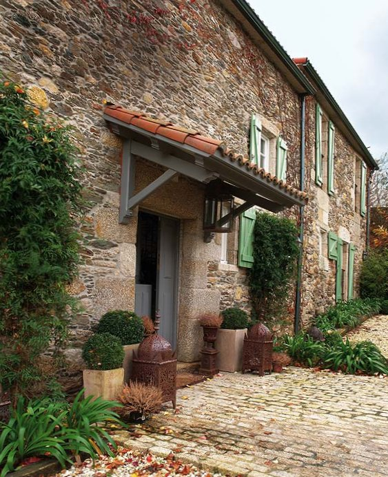 Wonderful stone interior in Spain-1