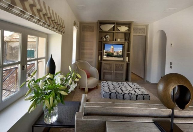 Apartments in the old centre of Saint-Tropez-10
