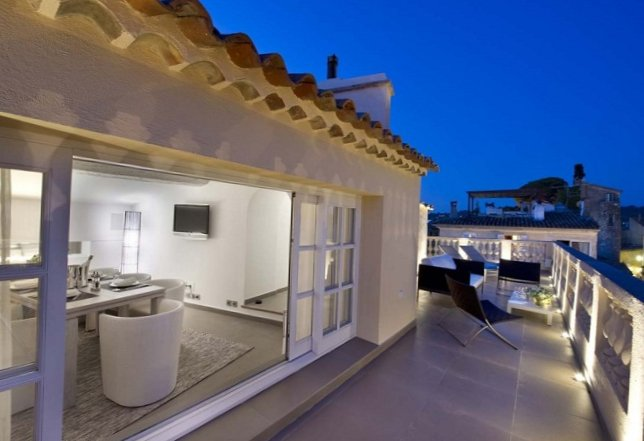 Apartments in the old centre of Saint-Tropez-16