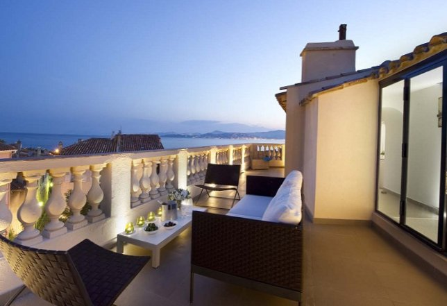 Apartments in the old centre of Saint-Tropez-17