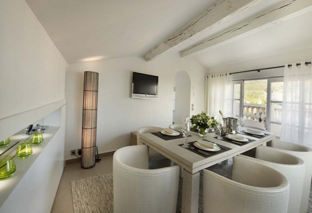 Apartments in the old centre of Saint-Tropez-6