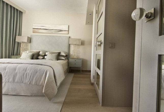 Apartments in the old centre of Saint-Tropez-8