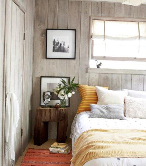 A-small-wooden-hut-7.jpg