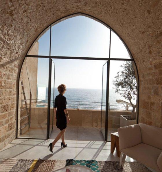 Apartment-design-in-cave-5.jpg