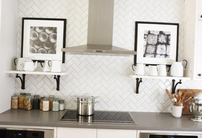 Beautiful-kitchen-with-an-island-1.jpg