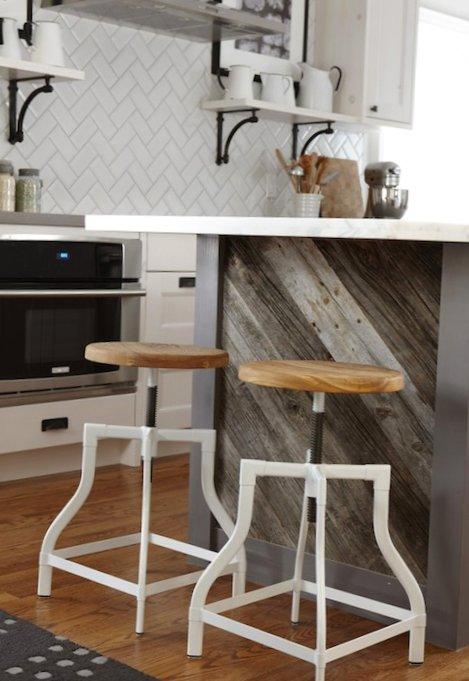 Beautiful-kitchen-with-an-island-3.jpg