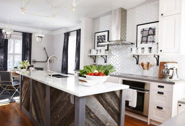 Beautiful-kitchen-with-an-island-6.jpg