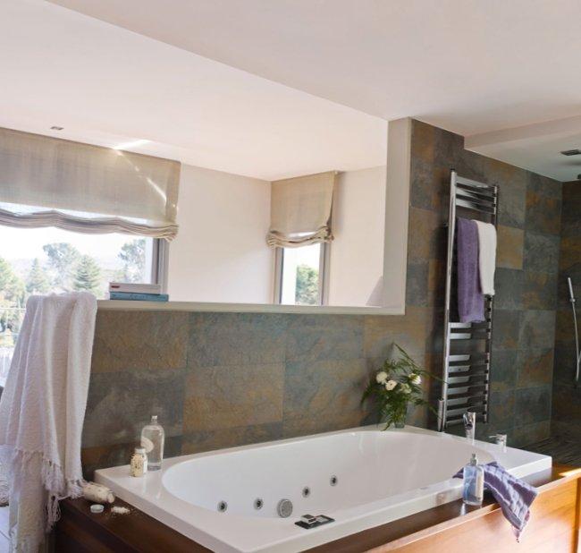Bedroom-combined-with-a-bathroom-4.jpg