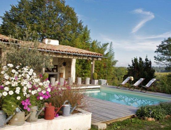 Eco-summer-house-in-France-1.jpg