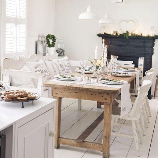 English-Christmas-Interior-Decorations-4.jpg