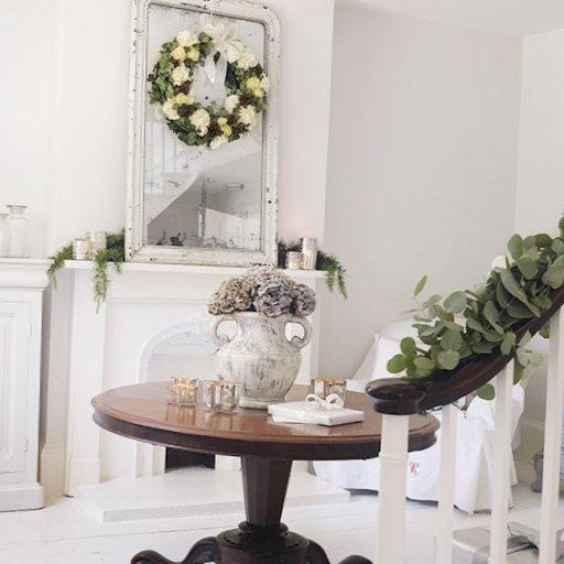 English-Christmas-Interior-Decorations-6.jpg