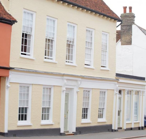 Excellent-English-town-house-9.jpg