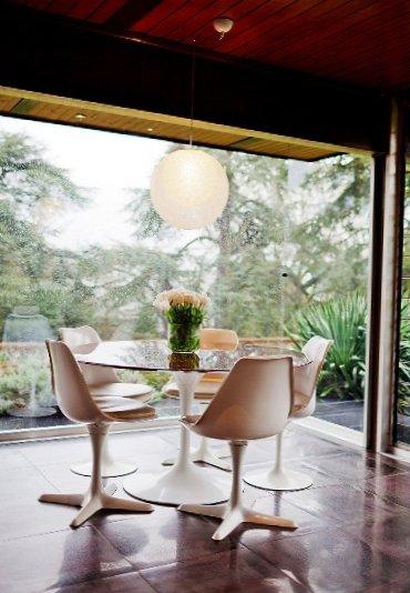 Glass-house-in-England-4.jpg