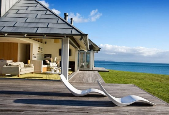 House-by-the-sea-in-New-Zealand-2.jpg