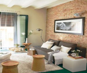 Small-sized apartment with green color decoration