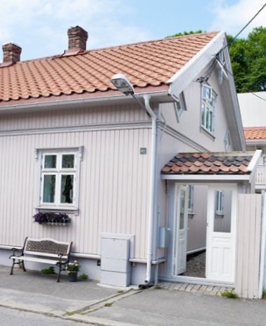 Old-fashioned-house-in-Norway-1.jpg