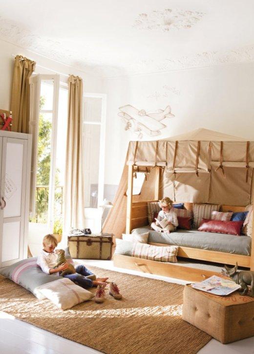 Room-small-travelers-1.jpg