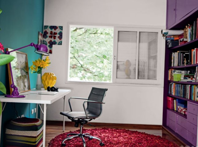 Small-colourful-apartment-3.jpg